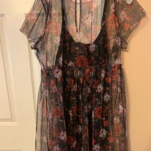 NWT Torrid Sz 1 Dress! Black w sheer floral cover